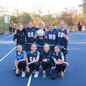 Staff vs Year 6 Netball Match